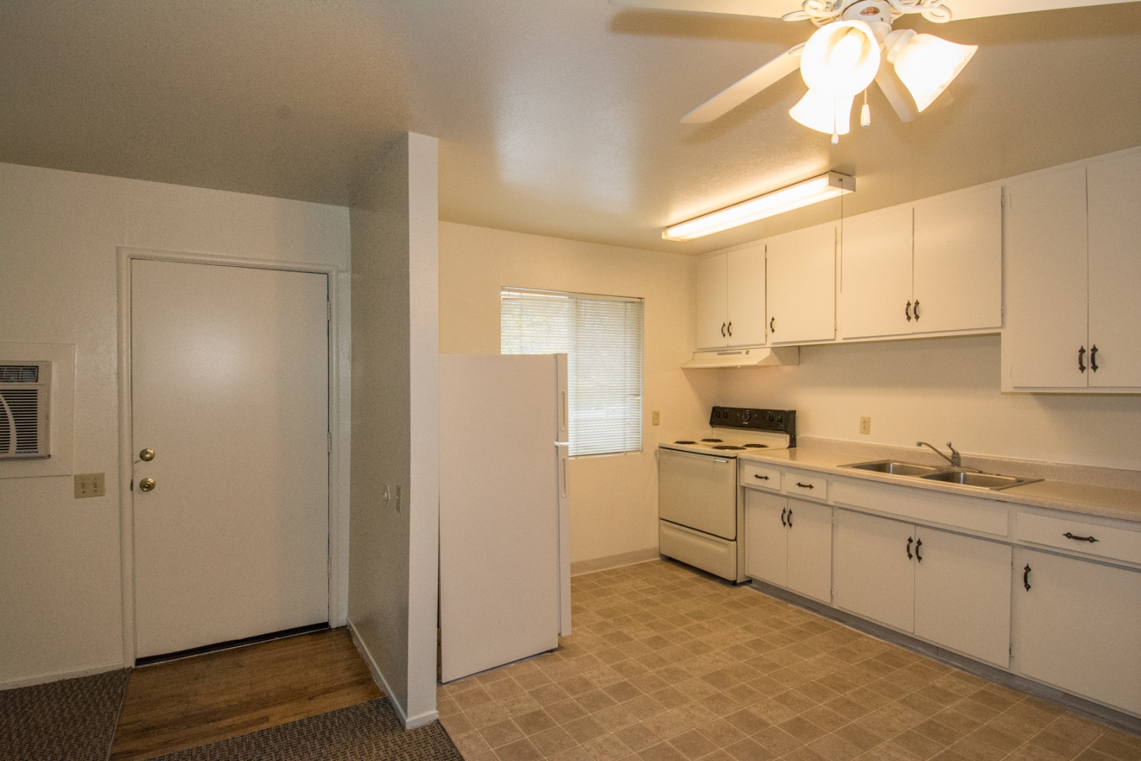 photo lincoln apartments carmichael com primary ca woods in rentals